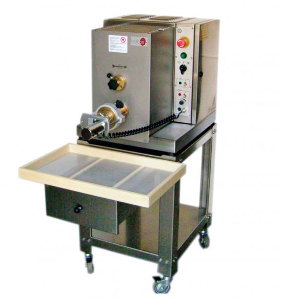 COMPUTER CONTROLLED AND TOUCH SCREEN EXTRUDER AND KNEADER - PEK/CTS
